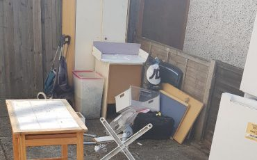 tilbury rubbish collection items