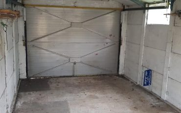 HORNDON GARAGE CLEARANCE